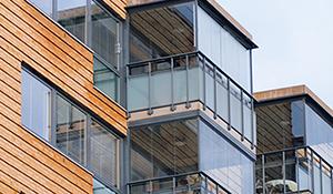Verglasung eines Balkon