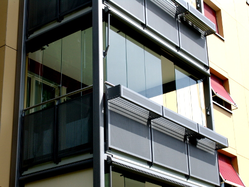 Verarbeitung einer Balkonverglasung