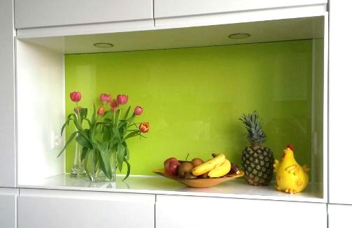 Küchenrückwand aus lackiertem Glas