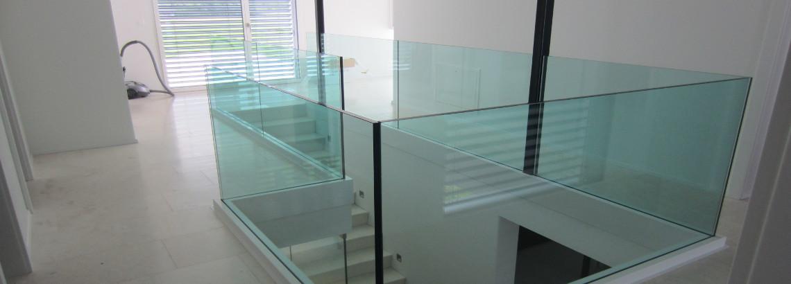 Geländer aus Glas